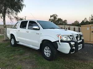 09 Toyota Hilux SR5 180000Km's. **engine issues** Cranbourne Casey Area Preview
