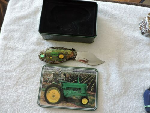 JOHN DEERE TRACTOR KNIFE--3 INCH BLADE IN TIN CASE