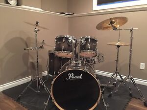 Pearl vision drum kit for sale