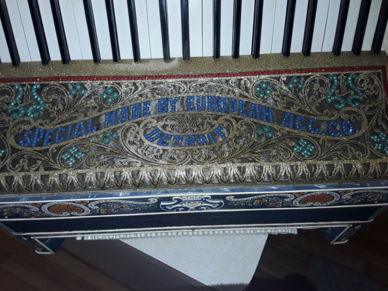 VINTAGE ACCORDION  BY THE European Accordion Co. DETROIT MICHIGAN  U.S.A