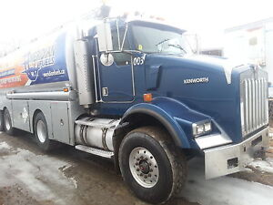 2003 Kenilworth fuel truck