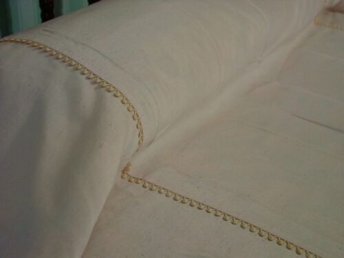 Pair Vintage Twin Bedspreads Quality Heavy Classic Elegance Split Corner Rayon