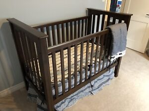 Pottery barn Kendall crib and bedding collection