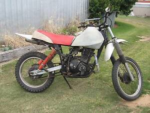 Suzuki DR500  1981 good cafe racer project Middleton Alexandrina Area Preview