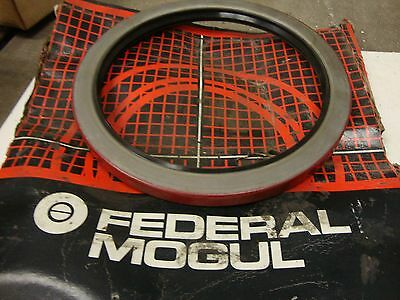 Federal Mogul 415090 Seal With Surface Rust Broken Box 19148 Lr