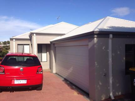 Room for rent 5 min to Scarborough Beach - bills included