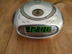 Memorex cd clock radio with dual alarm