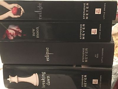 Lot 4  Series The Twilight Saga Collection New Moon Eclipse Breaking Dawn Meyer