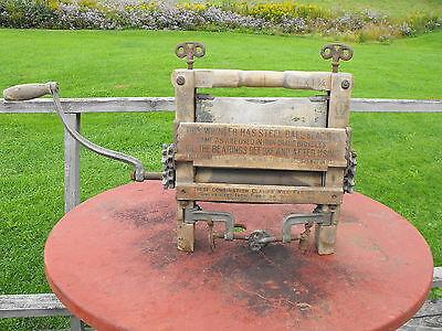 OLD VTG ANTIQUE ORIGINAL WOOD STEEL HANDCRANK CLOTHES WRINGER WASHER A.W.CO