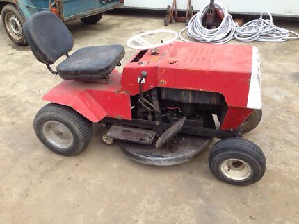 Greenfield ride on mower. Lawn mower tractor Campbellfield Hume Area Preview