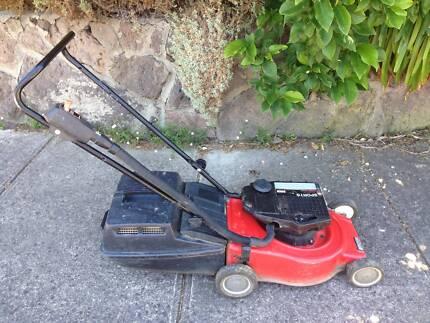 Victa Sports 2 stroke 160cc lawn mower