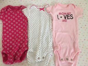 Newborn onesies (excellent condition)
