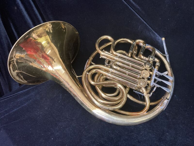 Nice Conn 6D Double French Horn With Case