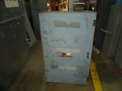 Cutler-hammer 4121h11 400a 240vac Double Throw Non-fused Manual Transfer Switch