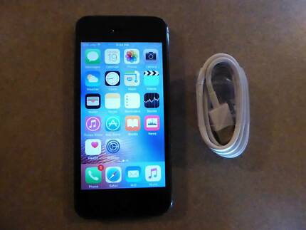 ***IPHONE 5 16GB black - with brand new cable***