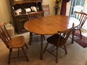 Dining table set with 1 leaf