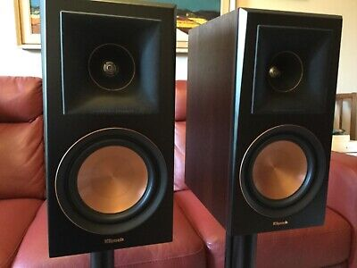 klipsch rp-600m bookshelf speakers ,walnut, boxed