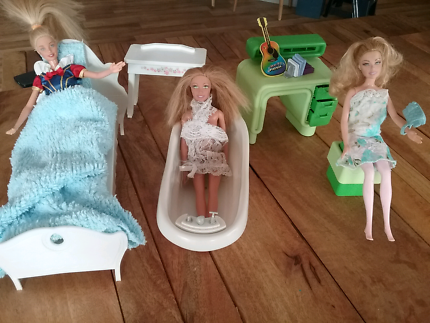 Dolls bed and bath set | Toys - Indoor | Gumtree Australia South ...