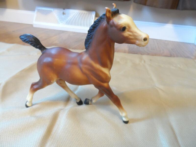 "Breyer Molding Co Dark Brown Pony Black Mane Tail Socks Horse running 6"" X 7"""