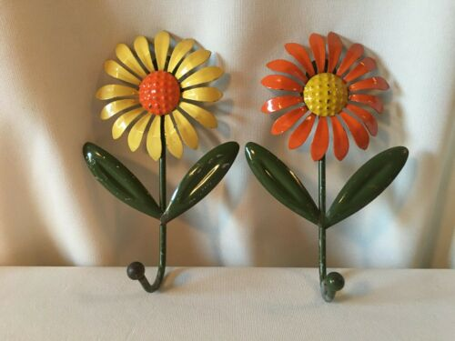 "Set of (2) Vintage ""Retro"" Painted Metal Daisy Flower Wall Hooks"