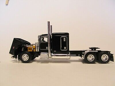 DCP FIRST GEAR 1/64 SCALE 389 PETERBILT FLAT TOP, BLACK & CHROME, FRAME COVER 2