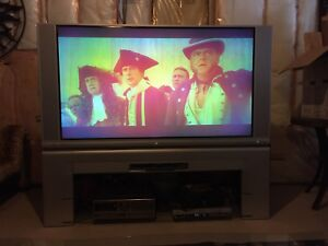 "60"" Hitachi Tv (television )"