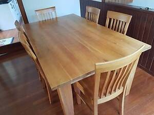 Country-style dining table +6 chairs. $400 Moving sale Castle Cove Willoughby Area Preview