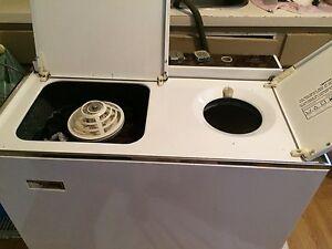 Twin tub washer