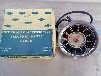 NOS 1947 1948 Chevy ELECTRIC CLOCK Original Chevrolet Accessory Fleetline Helmet