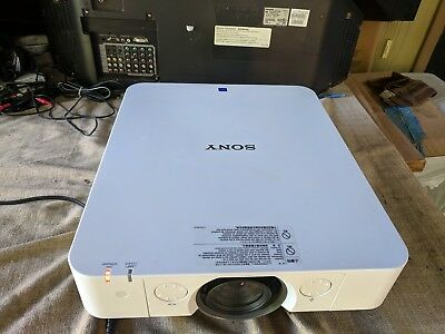 Sony VPL-FX35 LCD Large Avenue Projector 5000 Ansi Lumen - 1024 x 768