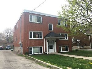 Large 1 BDRM Apartment in Galt, Cambridge