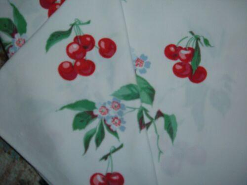 VINTAGE TOWEL WILENDUR RED CHERRIES