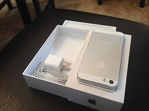 Selling 16Gb Silver iPhone 5s ***Telus / Kodoo*** Kitchener / Waterloo Kitchener Area image 2
