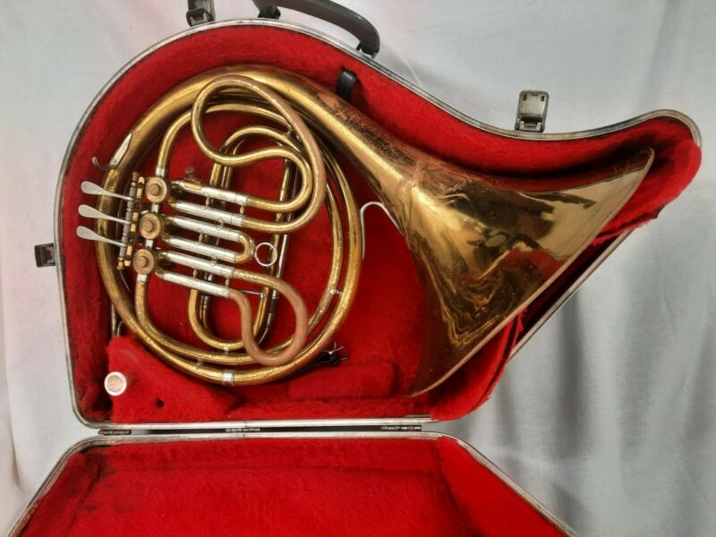 VTG Reynolds Contemporary Single French Horn With Original Case And Mouthpiece