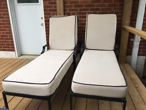 2 lawn chair with thick cushions