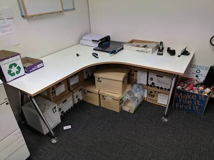 Corner desk (1800mm sides) MUST GO BY 4th MARCH