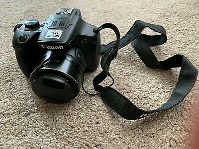 Canon Powershot SX60 hs in great condition with charger and Lowepro bag