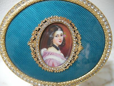 VINTAGE ITALIAN Turquoise GUILLOCHE ENAMEL Hand Painted Lady JEWELED COMPACT