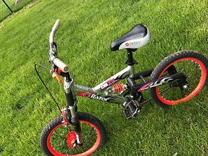 Silver Black and Red Razor bike Only 50$
