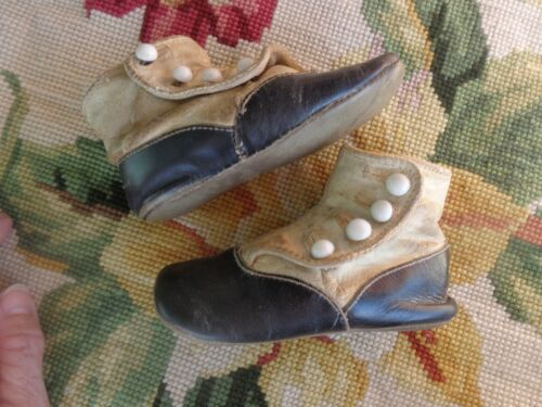 ANTIQUE VICTORIAN EDWARDIAN BABY BUTTON BLACK WHITE LEATHER SHOES 1800s-1900s