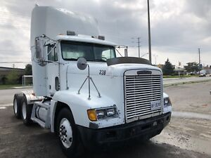 Freghtliner Day cab -Detroit Power Almost new tires-416.427.1313