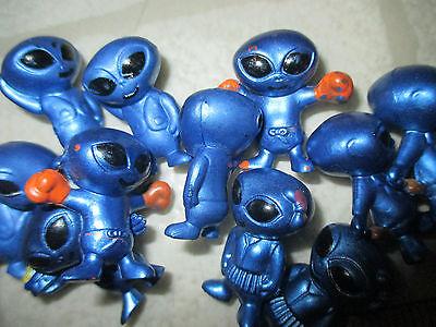 NEW plastic small tiny figure toy 5 pc blue Aliens Alien Martian