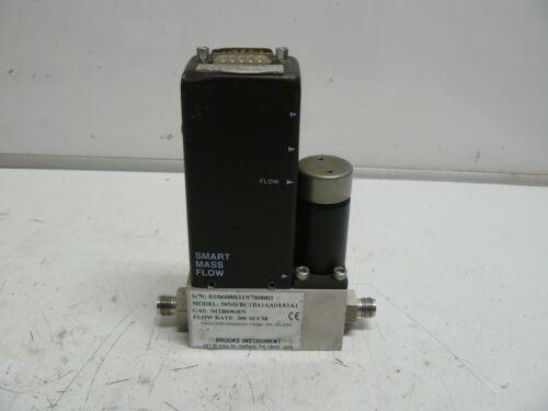 Brooks Instruments 5850S/BC1BA1AA0A1A1 mass flow controller range 300 SCCM