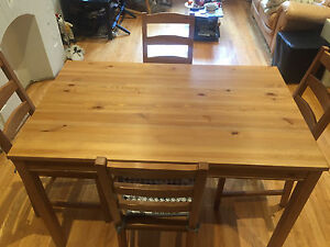 Table wood with 4 chairs-