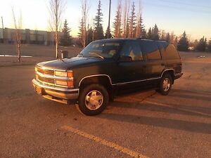 Chevy Tahoe mint SUV