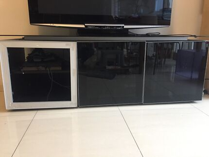 FREE TV cabinet (one glass panel missing)