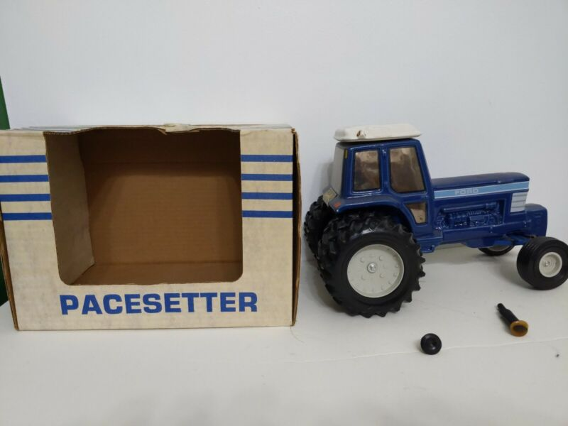 Pacesetter #3 Ford Big Blue Tractor Decanter