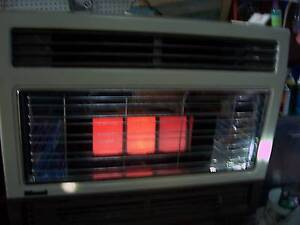 rinnai L P G gas heater works very good auto fan small scratches Cranebrook Penrith Area Preview