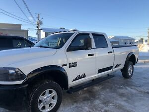 REDUCED!!! 2016 Ram 2500HD long box