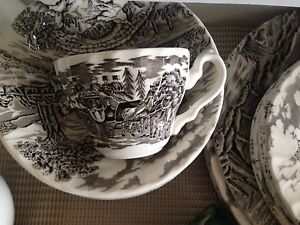 Almost new Staffordshire Dinner Set Hampton East Bayside Area Preview